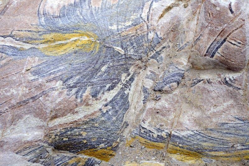 Βράχοι ψαμμίτη χρώματος στην έρημο της Ιορδανίας στοκ εικόνα με δικαίωμα ελεύθερης χρήσης