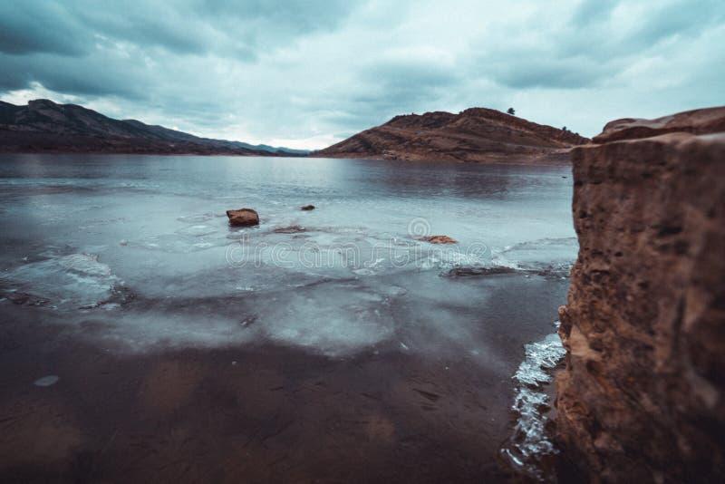 Βράχος από την παγωμένη horsetooth δεξαμενή στοκ εικόνες με δικαίωμα ελεύθερης χρήσης