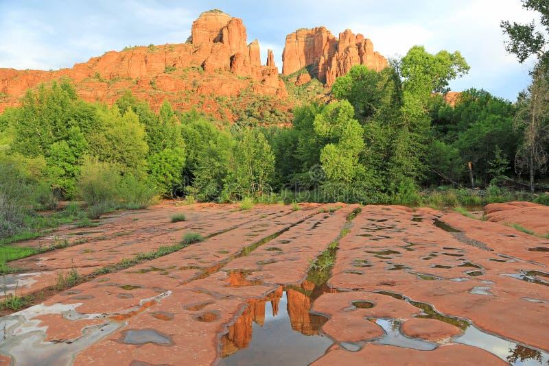 Βράχος καθεδρικών ναών μετά από τη βροχή στοκ εικόνες