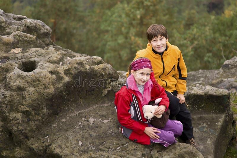 βράχος κατσικιών που κάθεται δύο στοκ εικόνες με δικαίωμα ελεύθερης χρήσης