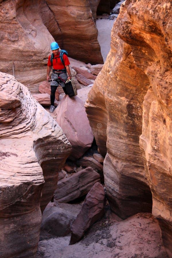 βράχος ορειβατών φαραγγ&iot στοκ εικόνες με δικαίωμα ελεύθερης χρήσης