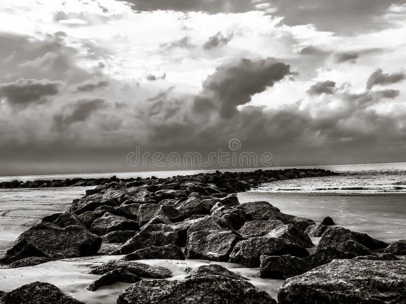 Βράχος παραλιών στοκ φωτογραφίες με δικαίωμα ελεύθερης χρήσης