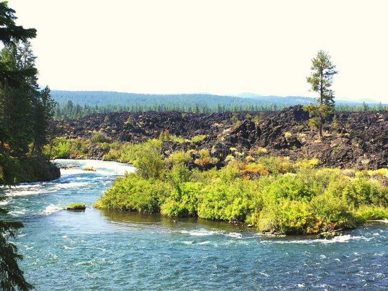 Βράχος ποταμών και λάβας στοκ φωτογραφίες με δικαίωμα ελεύθερης χρήσης