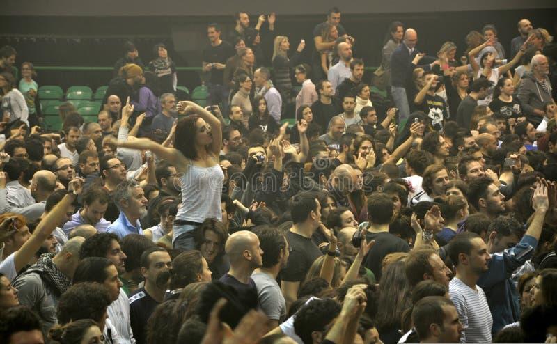 βράχος της Ιταλίας ανεμιστήρων συναυλίας στοκ εικόνες με δικαίωμα ελεύθερης χρήσης