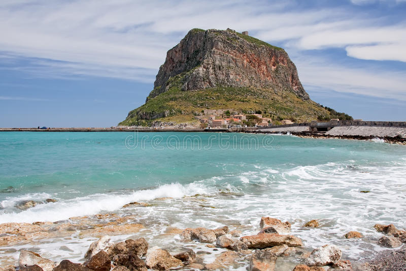 βράχος monemvasia στοκ φωτογραφία με δικαίωμα ελεύθερης χρήσης