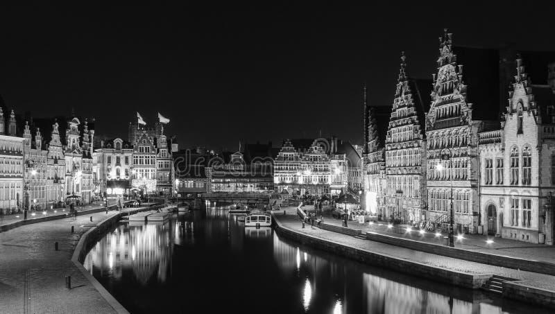 Βράδυ που πυροβολείται της πόλης Gent του Βελγίου στοκ φωτογραφίες με δικαίωμα ελεύθερης χρήσης
