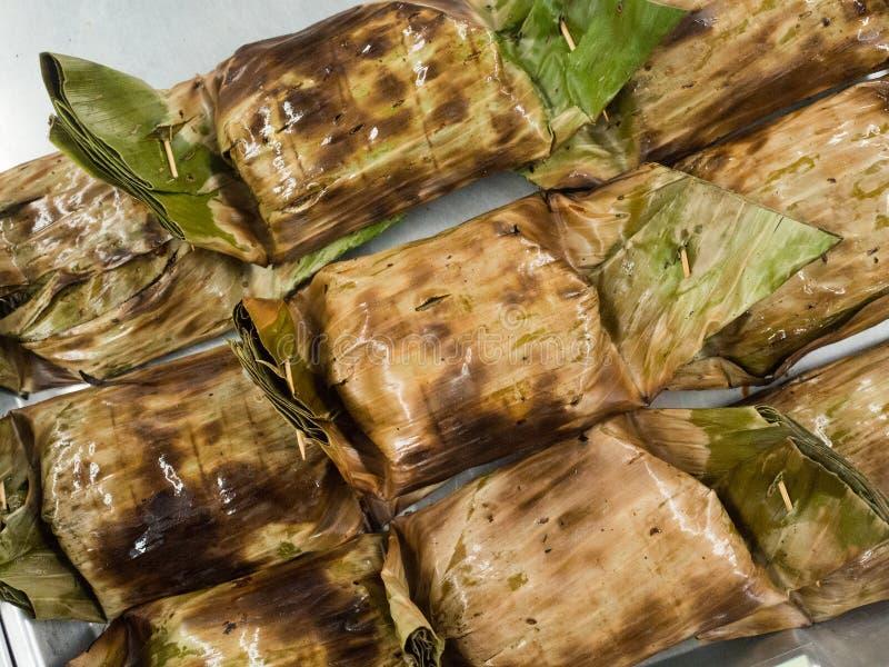 Βρασμένα στον ατμό ψάρια με την κόλλα κάρρυ, ταϊλανδικά τρόφιμα στοκ φωτογραφία με δικαίωμα ελεύθερης χρήσης