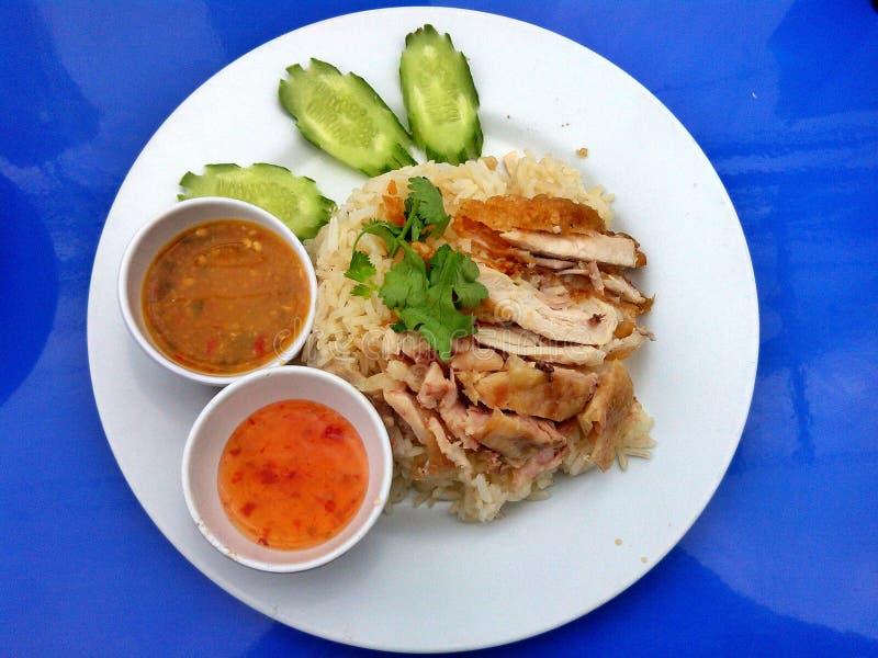 Βρασμένο στον ατμό κοτόπουλο με το ρύζι στοκ εικόνα με δικαίωμα ελεύθερης χρήσης