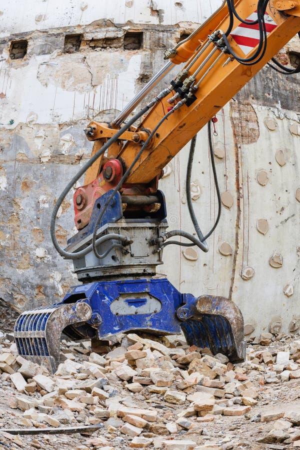 Βραχίονας τρακτέρ ενός υδραυλικού εκσκαφέα στοκ φωτογραφία με δικαίωμα ελεύθερης χρήσης