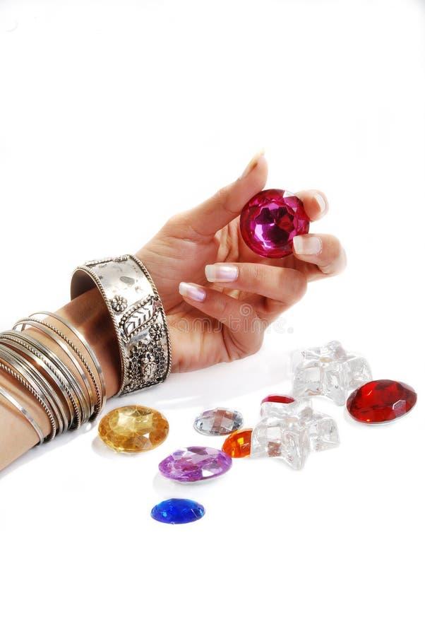 Download βραχιόλι χαντρών στοκ εικόνα. εικόνα από χρώματα, χέρι - 13186771