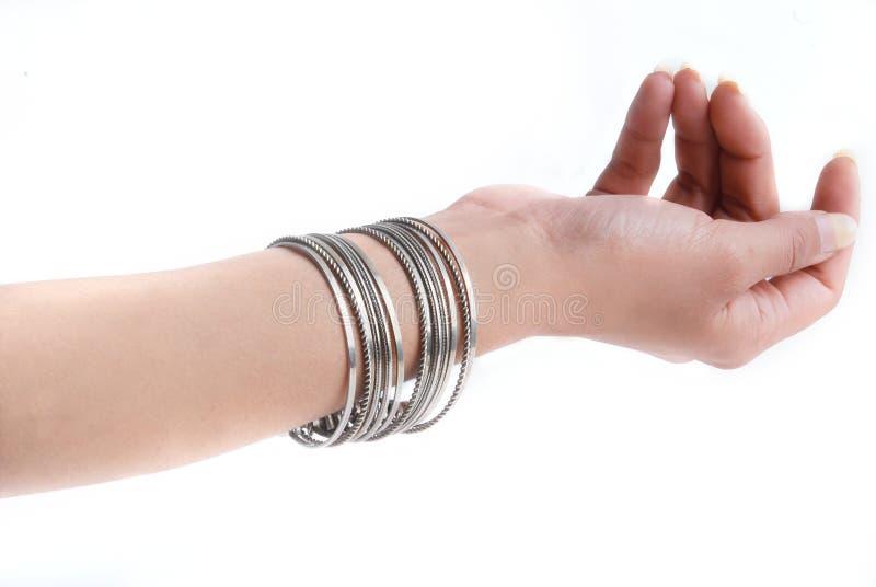 Download βραχιόλι στοκ εικόνα. εικόνα από jewelery, θηλυκό, μαργαριτάρια - 13186703