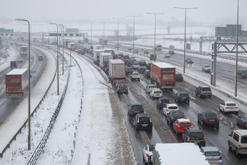 Βρετανικός αυτοκινητόδρομος M1 κατά τη διάρκεια της θύελλας χιονιού στοκ εικόνες