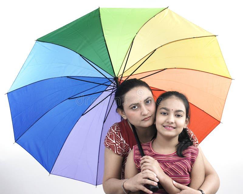 βροχή μητέρων κορών στοκ φωτογραφίες