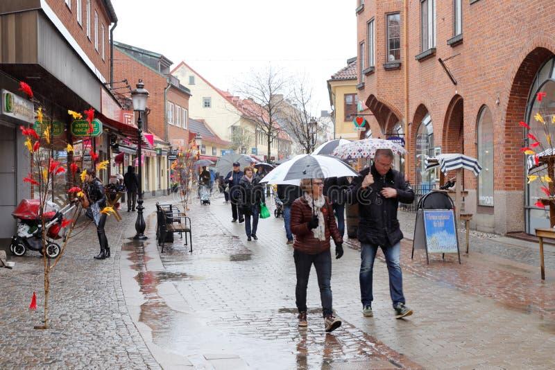 Βροχή στο κέντρο πόλεων Ystad στοκ εικόνες