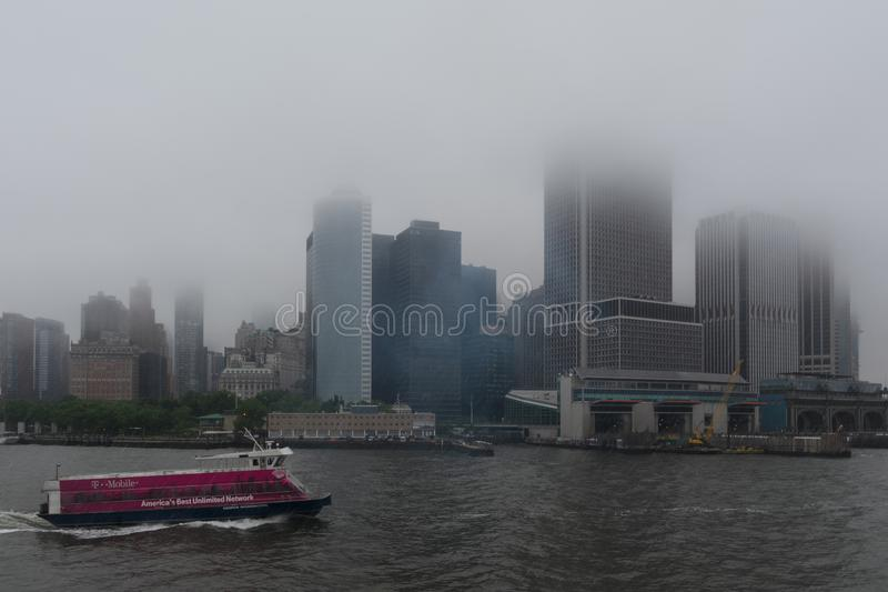 Βροχερή ημέρα στην πόλη της Νέας Υόρκης στοκ εικόνες