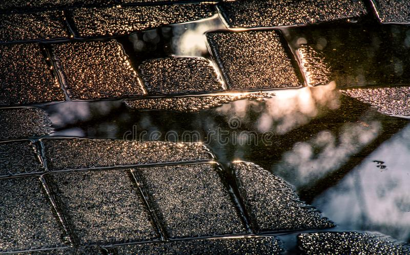 Βροχερή κατάσταση - αντανακλάσεις μετά από τη βροχή στοκ εικόνες με δικαίωμα ελεύθερης χρήσης