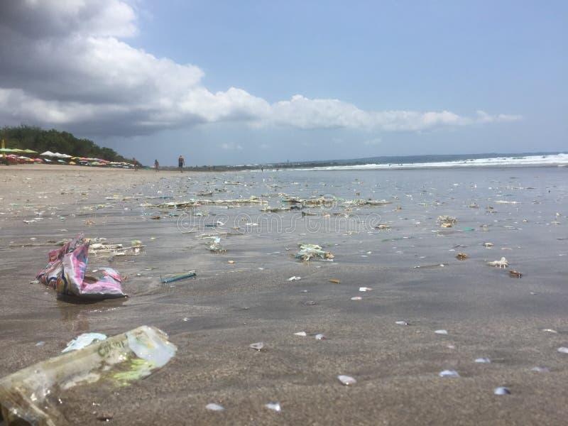 Βρώμικη παραλία Kuta, Μπαλί, Ινδονησία στοκ φωτογραφία