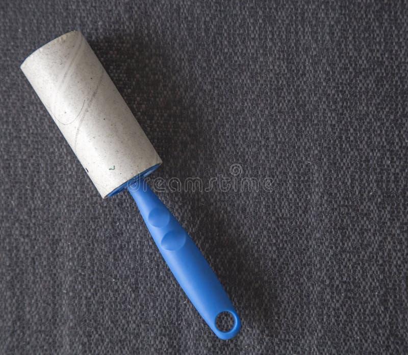 Βρώμικος κύλινδρος για τον καθαρισμό στοκ φωτογραφία
