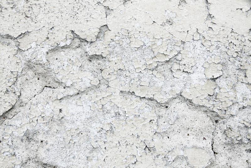 Βρώμικο και παλαιό ξεπερασμένο άσπρο υπόβαθρο σύστασης ασβεστοκονιάματος στόκων τοίχων που χαρακτηρίζεται από τη μακροχρόνια έκθε στοκ εικόνα με δικαίωμα ελεύθερης χρήσης