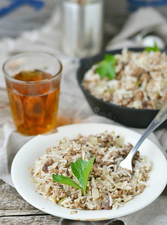 Βρώμικο ρύζι με το επίγειο βόειο κρέας στοκ εικόνα