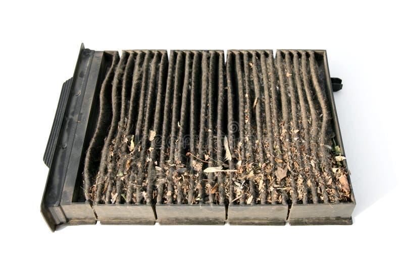 Βρώμικο χρησιμοποιημένο φίλτρο κλιματιστικών μηχανημάτων καμπινών στοκ φωτογραφία με δικαίωμα ελεύθερης χρήσης