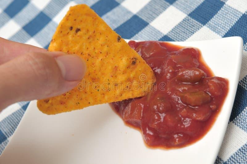 βυθίζοντας tortilla σάλτσας τσ&i στοκ εικόνες με δικαίωμα ελεύθερης χρήσης
