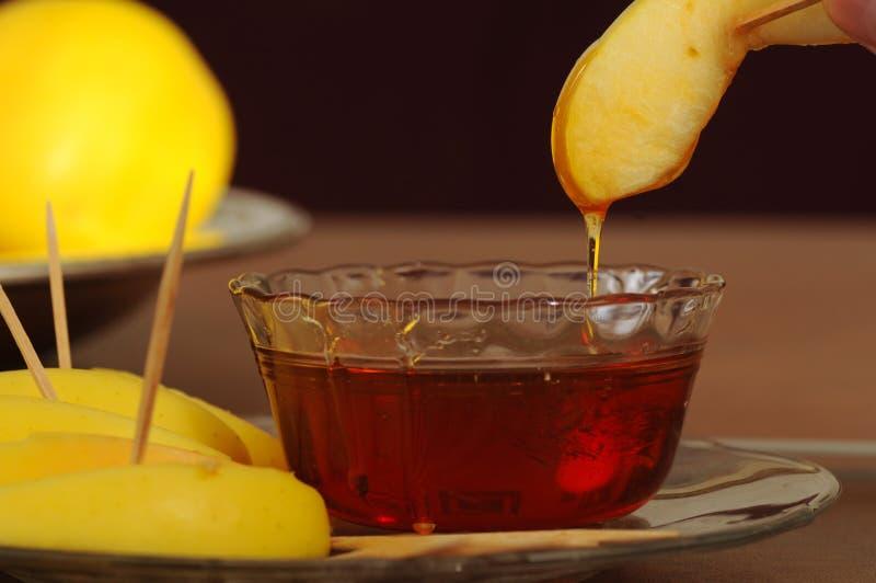 βυθισμένο μήλο μέλι στοκ φωτογραφίες