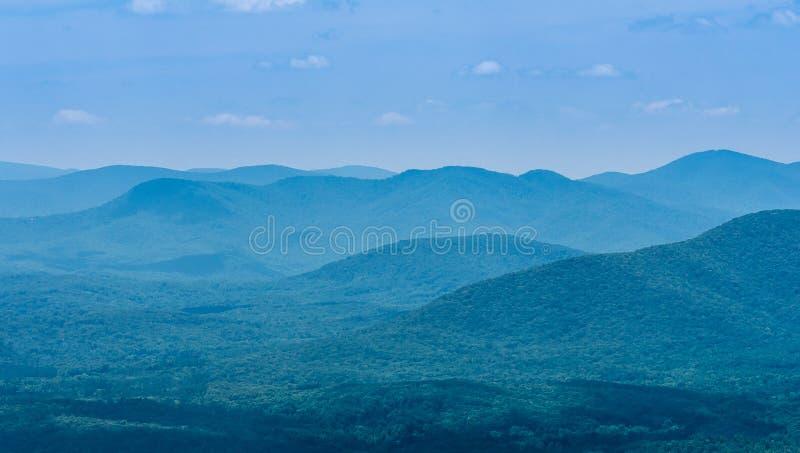 Βόρεια βουνά της Γεωργίας στοκ εικόνες