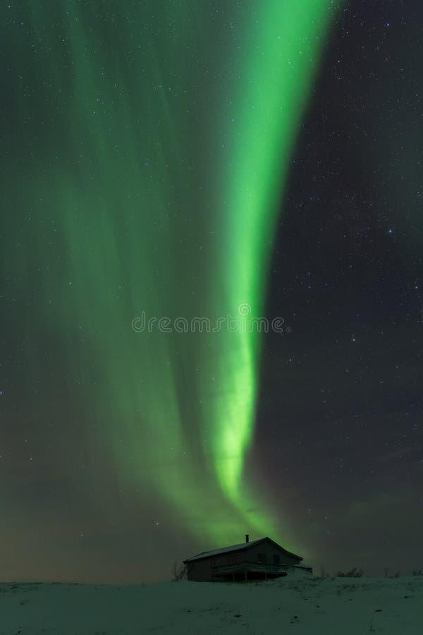 Βόρεια φω'τα στην κορυφή βουνών στη Νορβηγία στοκ φωτογραφία με δικαίωμα ελεύθερης χρήσης