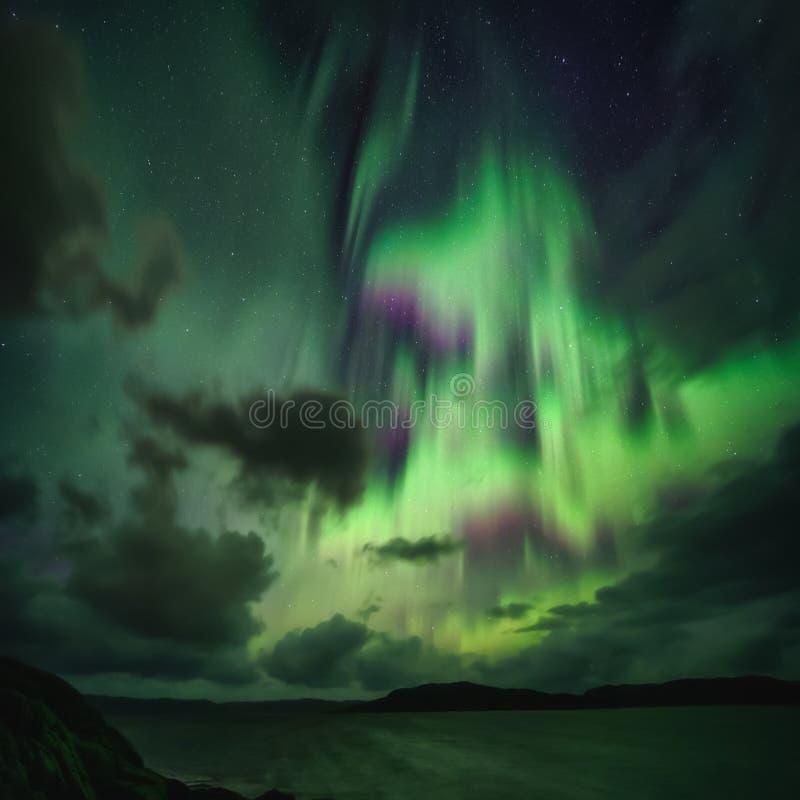 Βόρεια φώτα, Aurora Borealis στη χερσόνησο Κόλα στοκ εικόνα με δικαίωμα ελεύθερης χρήσης