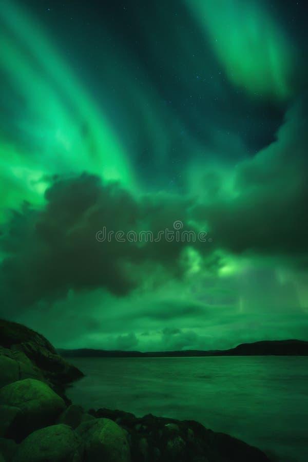 Βόρεια φώτα, Aurora Borealis στη χερσόνησο Κόλα στοκ φωτογραφία με δικαίωμα ελεύθερης χρήσης