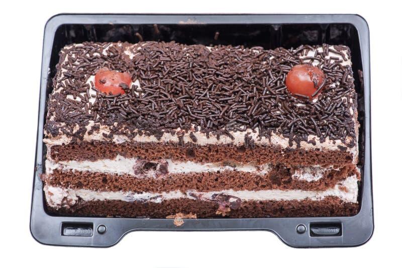 Βύσσινο torte, στρώματα σφουγγαριών κακάου κέικ με το κεράσι και πλήρωση κρέμας που απομονώνεται στο λευκό στοκ εικόνα με δικαίωμα ελεύθερης χρήσης