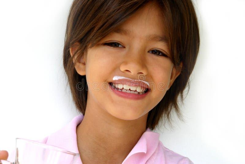 γάλα κοριτσιών moustache στοκ εικόνα με δικαίωμα ελεύθερης χρήσης