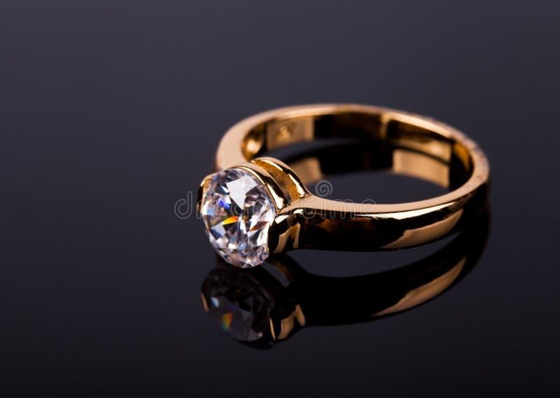 Download γάμος δαχτυλιδιών στοκ εικόνες. εικόνα από gems, δαχτυλίδι - 22796718