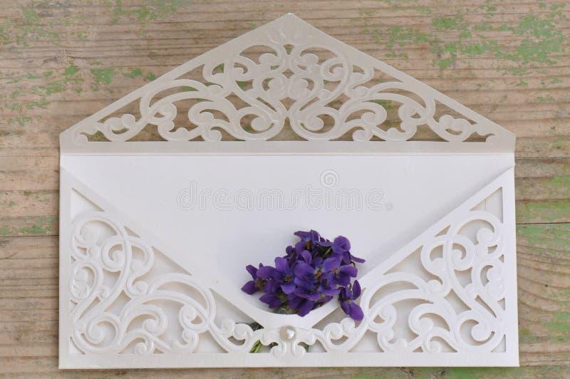 γάμος πρόσκλησης λουλ&omicron στοκ εικόνες