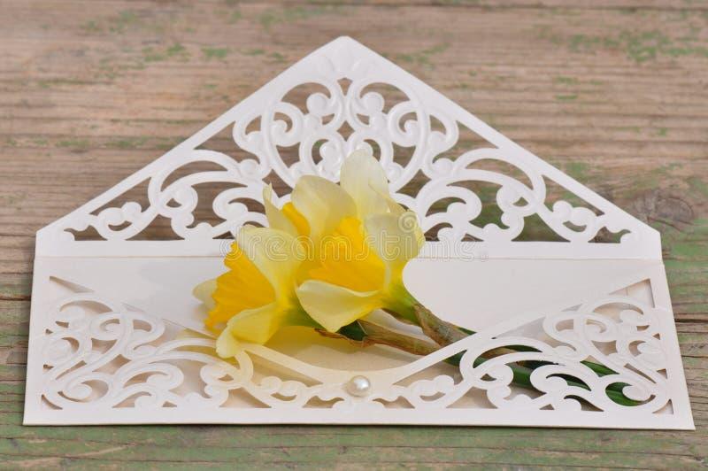 γάμος πρόσκλησης λουλ&omicron στοκ εικόνα με δικαίωμα ελεύθερης χρήσης