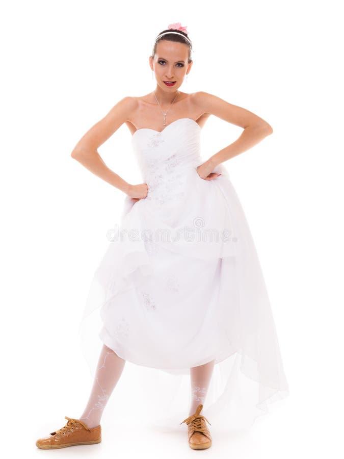 Download γάμος Τρέχοντας αστεία γυναίκα νυφών στα αθλητικά παπούτσια Στοκ Εικόνα - εικόνα από σύγχρονος, αναποφάσιστος: 62705947