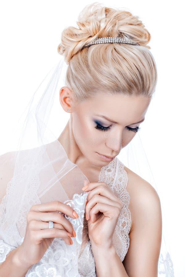 Γάμος hairstyle με την τιάρα στοκ φωτογραφία