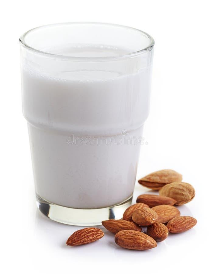 Γάλα αμυγδάλων στοκ εικόνα με δικαίωμα ελεύθερης χρήσης