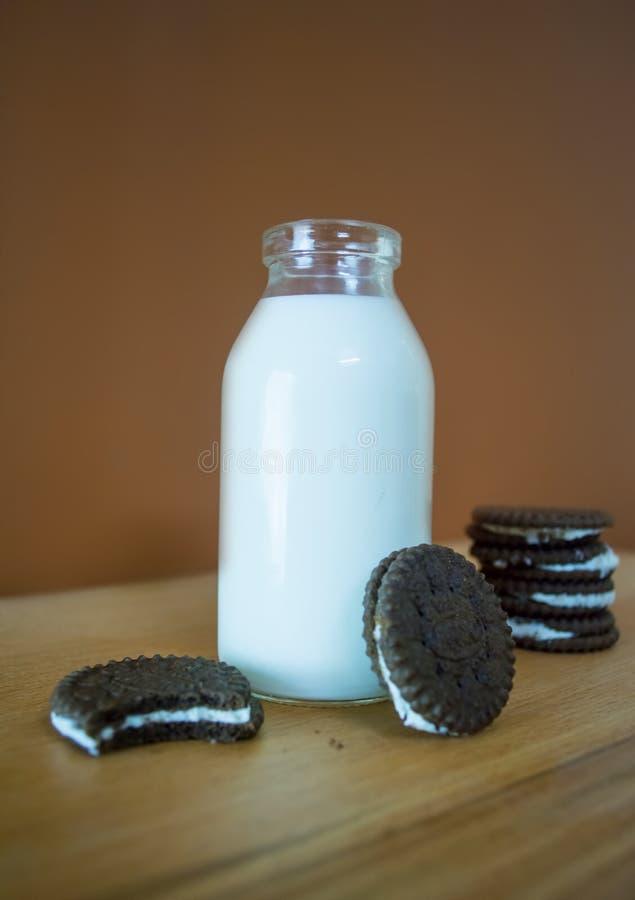 Γάλα με το oreo στοκ φωτογραφία με δικαίωμα ελεύθερης χρήσης