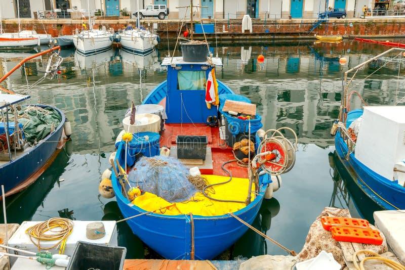 Γένοβα Αλιευτικά σκάφη στο θαλάσσιο λιμένα στοκ εικόνα