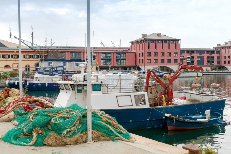 Γένοβα Αλιευτικά σκάφη στο θαλάσσιο λιμένα στοκ εικόνες