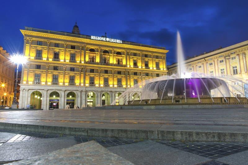 Γένοβα, περιοχή της Λιγυρίας, της Ιταλίας, Ευρώπη - 12 Ιουνίου 2018: Piazza de Ferrari είναι το κύριο τετράγωνο στη Γένοβα Τοποθε στοκ εικόνα