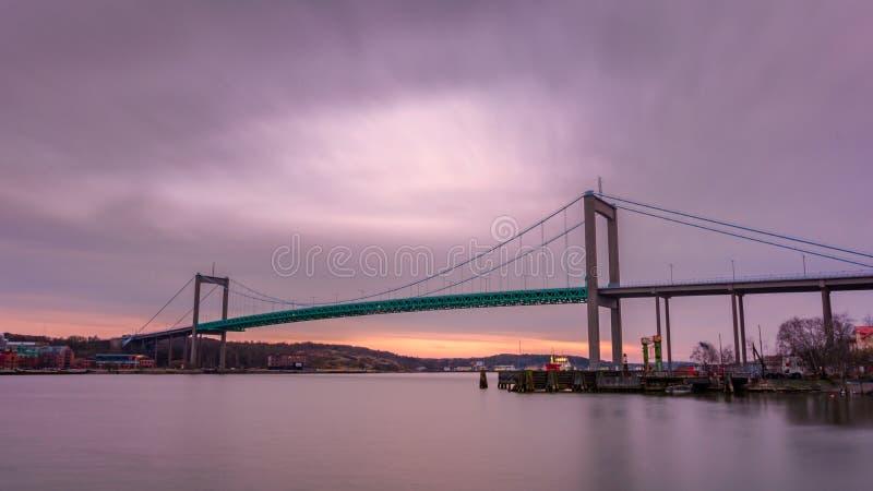 Γέφυρα αναστολής στο Γκέτεμπουργκ Σουηδία που συνδέει το κύριο έδαφος με το Ι στοκ εικόνες