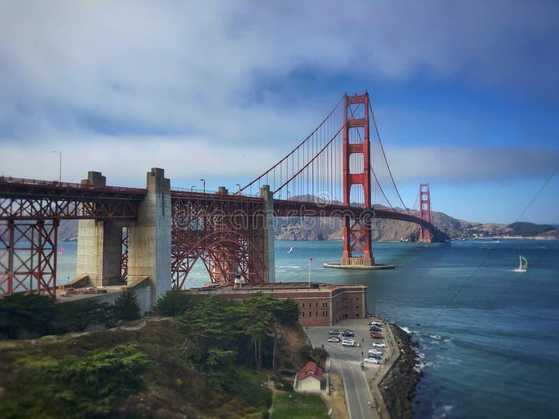 Γέφυρα αναστολής του Σαν Φρανσίσκο στοκ εικόνες