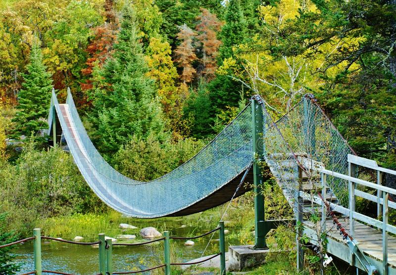 Γέφυρα αναστολής, επαρχιακό πάρκο φραγμάτων Pinawa στοκ εικόνα με δικαίωμα ελεύθερης χρήσης