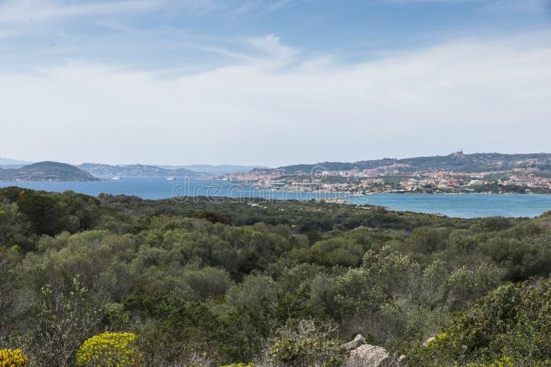 Γέφυρα από το νησί της Maddalena στο νησί gialdinelli στοκ εικόνες με δικαίωμα ελεύθερης χρήσης
