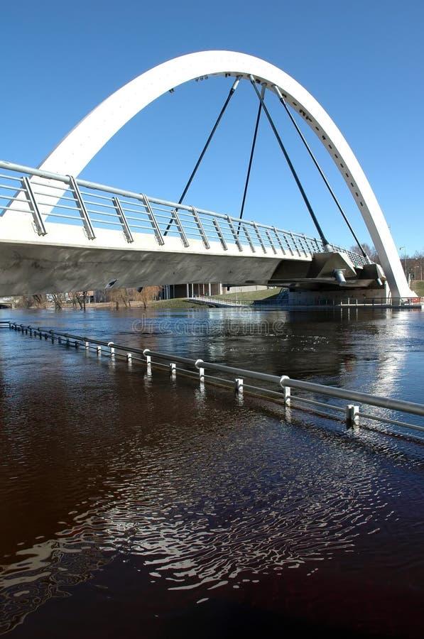 γέφυρα αψίδων σύγχρονη στοκ εικόνες με δικαίωμα ελεύθερης χρήσης