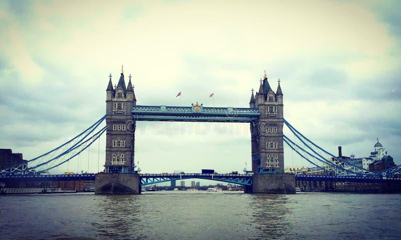 γέφυρα βαρκών Λονδίνο παλαιό στοκ εικόνα