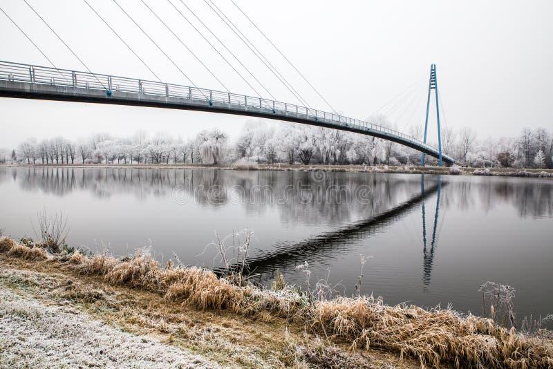 Γέφυρα επάνω από το Elbe ποταμός-Celakovice, τσεχικό ύφασμα στοκ φωτογραφία